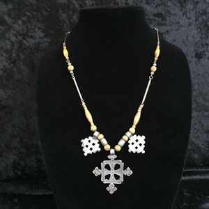 Jewelry - Silver Aztec Pendant with Beaded Necklace (d012)